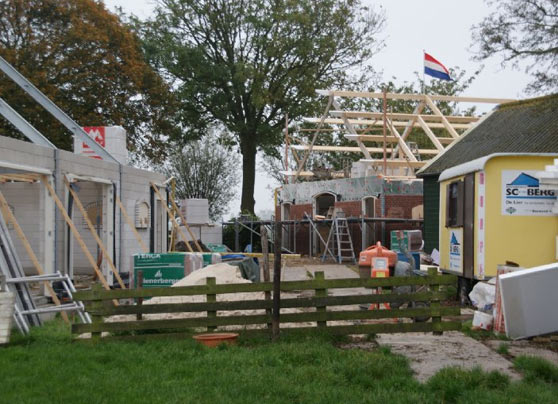 Wij hebben een stal omgebouwd tot een woonhuis met berging.  Locatie:Willemoordseweg, Schipluiden Architect:Butek, De Lier Bouwperiode:2012-2014 Bouwsysteem:Traditioneel … Lees verder…