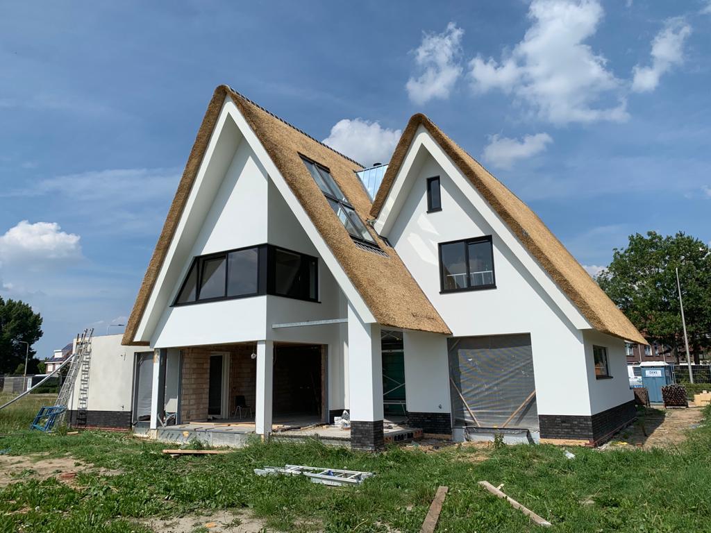 Nieuwbouw van een woning in Maasdijk.   Locatie: Langekruisweg, Maasdijk  Bouwperiode: November 2018 – juli 2019  Bouwsysteem:Traditioneel … Lees verder…